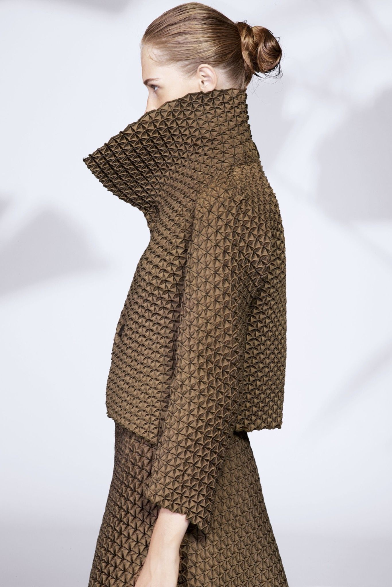 Issey Miyake Resort 2016 - Collection - Gallery - Style ...