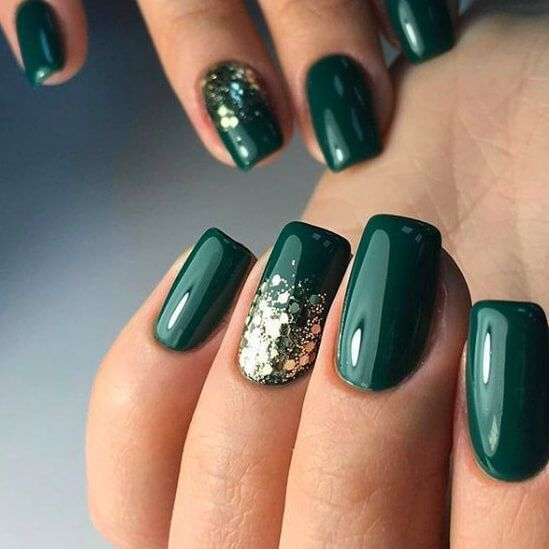 Beliebte Nägel Winterfarben sehen in dieser Saison trendig aus #greenthings Emerald gree …