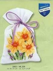Cross-stitch Daffodil Sachet, part 1...    Gallery.ru / Фото #15 - 201 - markisa81