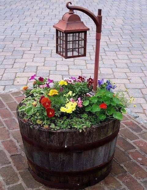 Macetero-luminaria para el jardin LANDSCAPE IDEAS Pinterest - maceteros para jardin