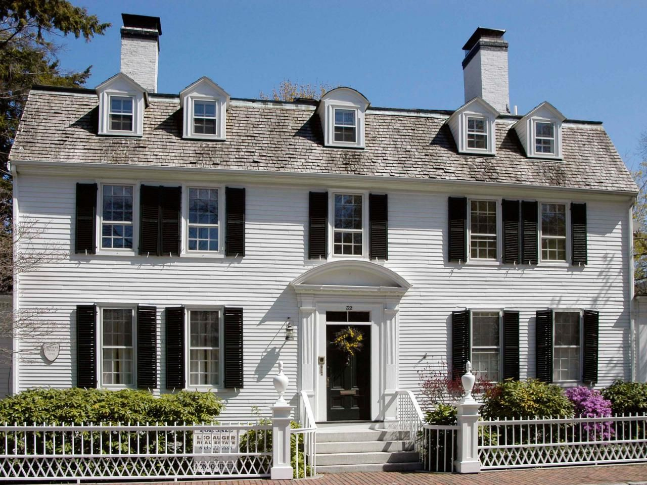 Exceptional Double Floor Colonial Style Home Part - 9: This Colonial-style Home Features A Classic Layout Of The Style, With Five  Windows
