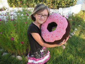 Haken Gratis Patroon Engels Reuze Donut Kussen Crochet Free