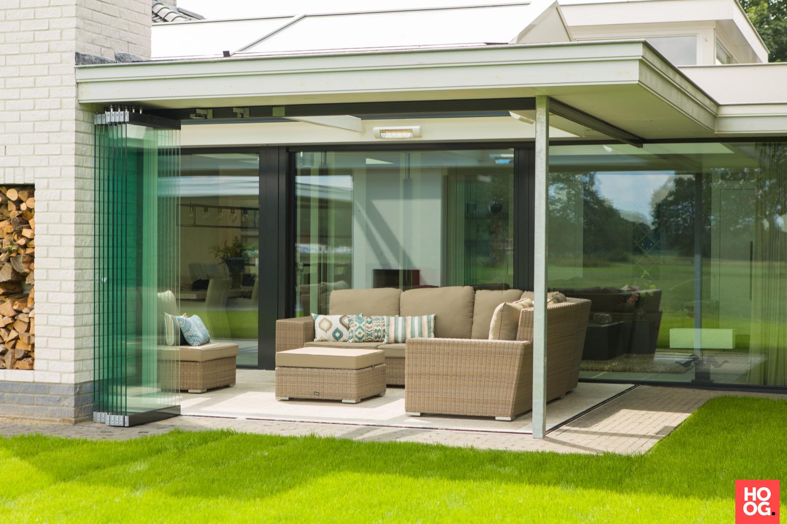 Verbouw van een villa met glas minimalistisch hoog □ exclusieve