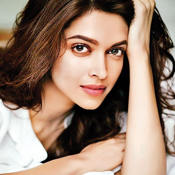 Deepika Padukone I M Not Comfortable With Success Latest News Updates At Daily News Analys Deepika Padukone Beautiful Indian Actress Bollywood Actress
