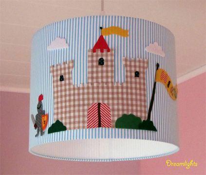 Schöne Lampen Licht an im Kinderzimmer Lampenschirm