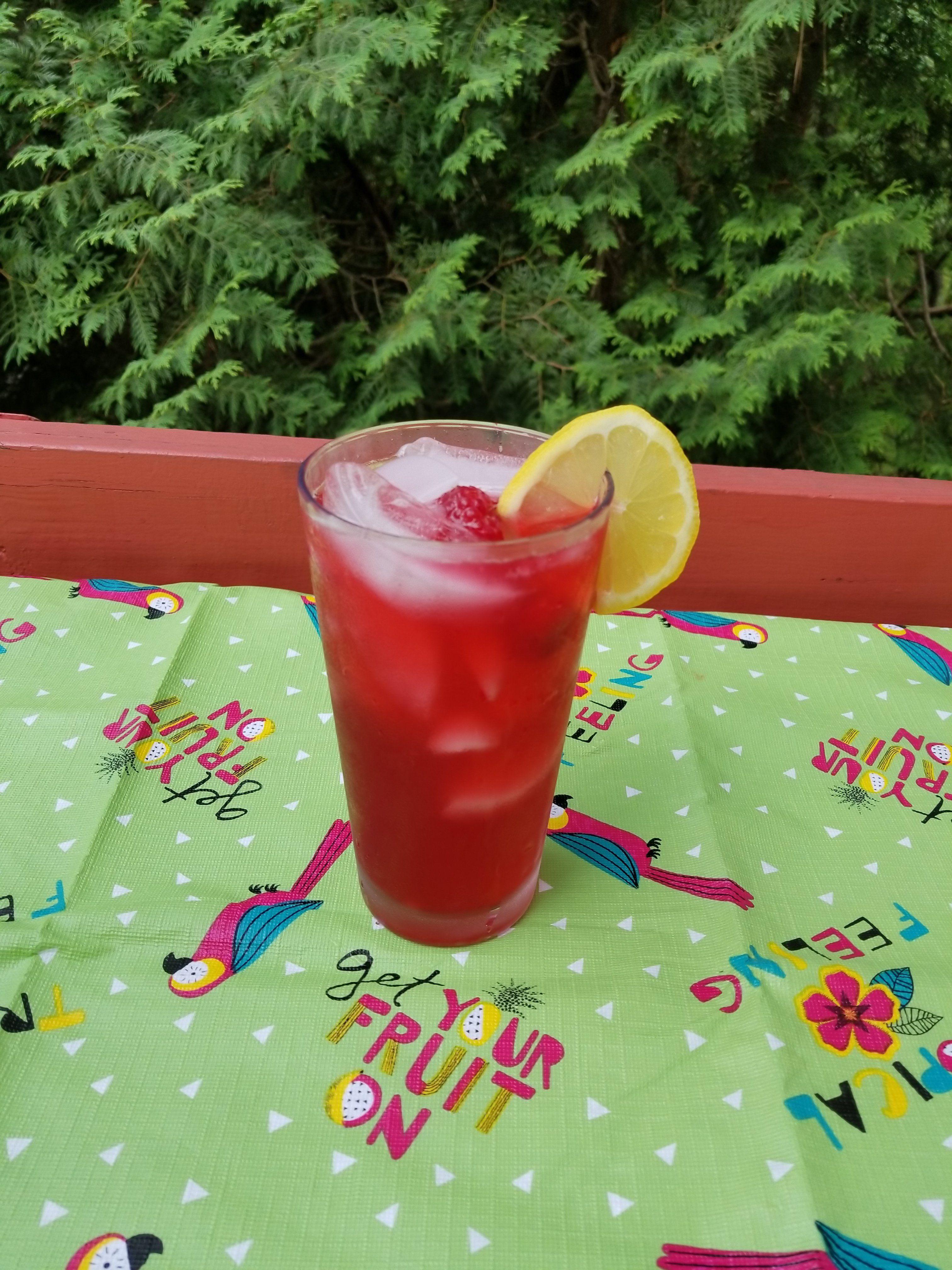 Starbucks Very Berry Hibiscus Lemonade Refresher The Mom Roost
