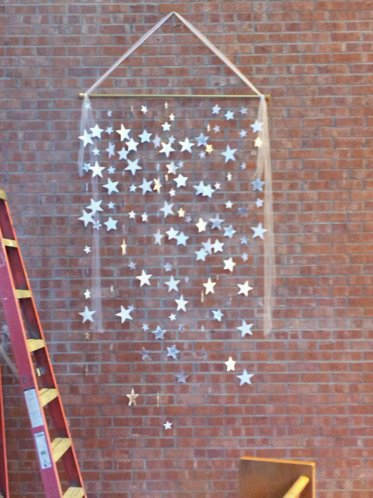 Decorating the church and altar for advent and christmas for Altar wall decoration