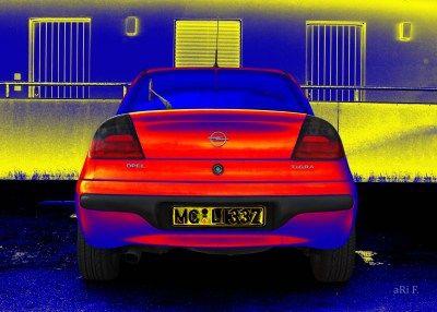 Opel Tigra in blue & red