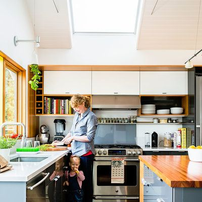 Fresh Kitchen Storage for Small Kitchens