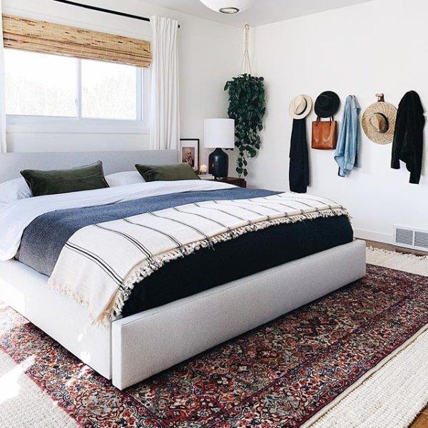 Contemporary Beds Luxor 923 Designer Modern Lacquer Platform Bed