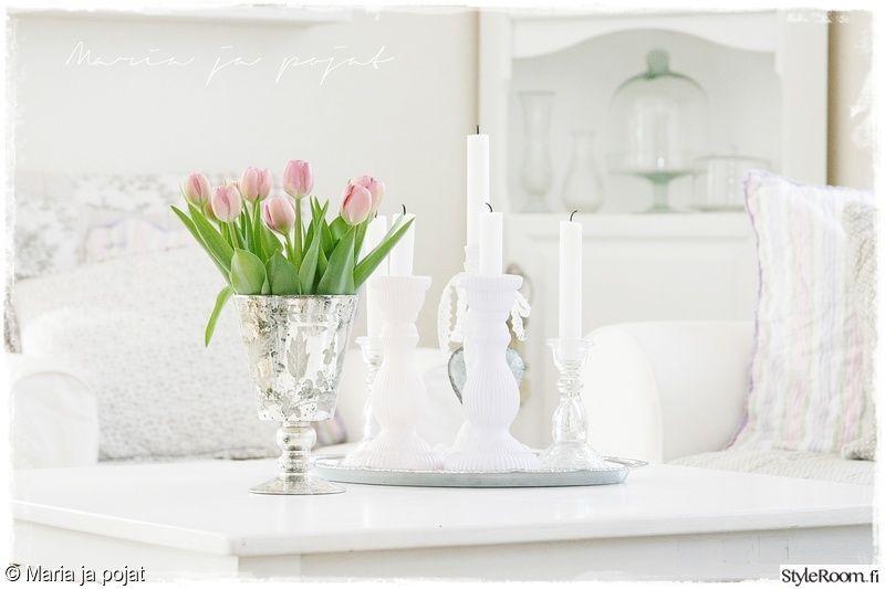 olohuone,valkoinen,tulppaanit,leikkokukat,hopea