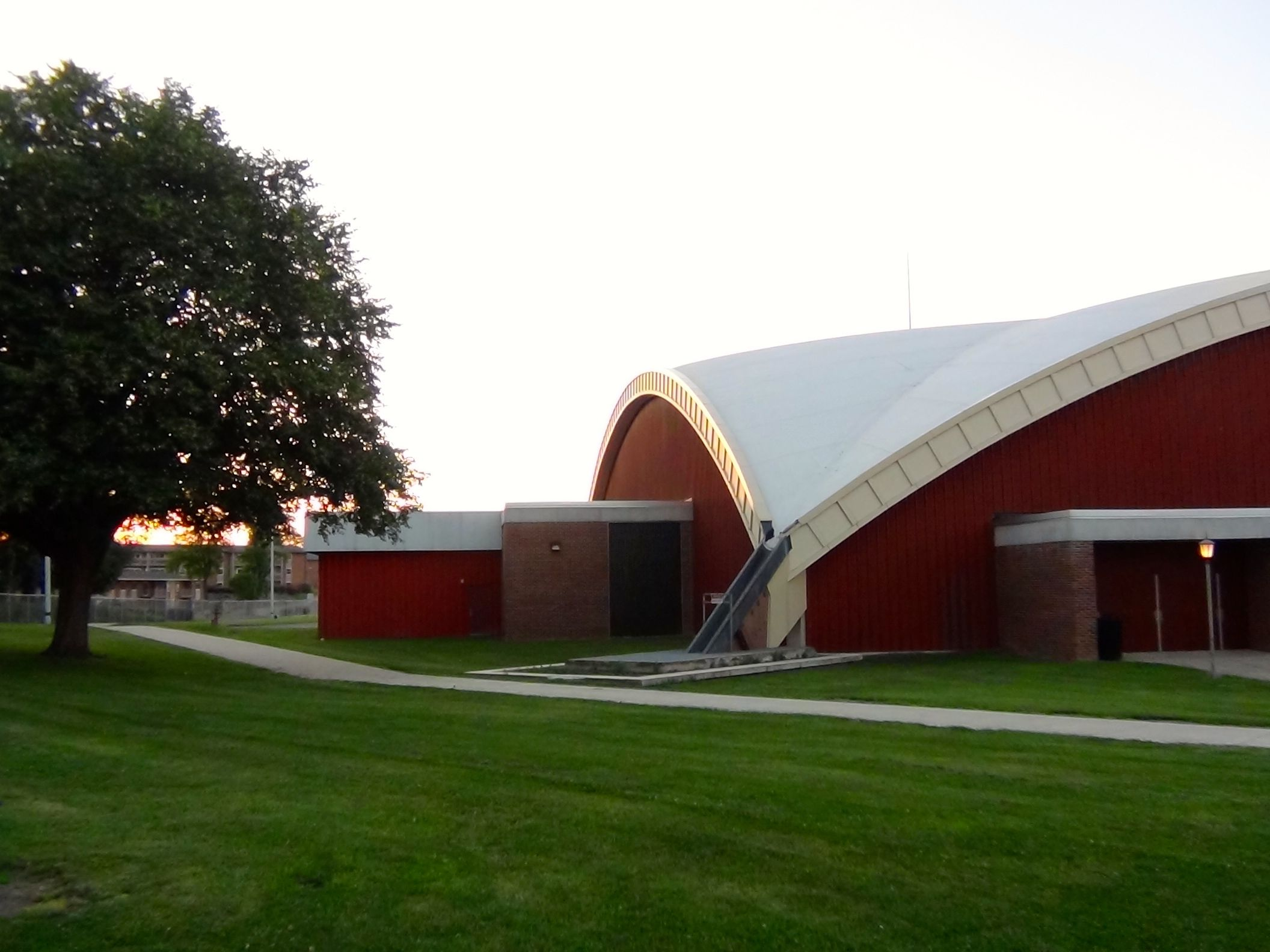 Heiges Field House Is The White Dome Shaped Roof Home To Our Ship Raider Volleyball And Basketball Teams University Campus Shippensburg University Building