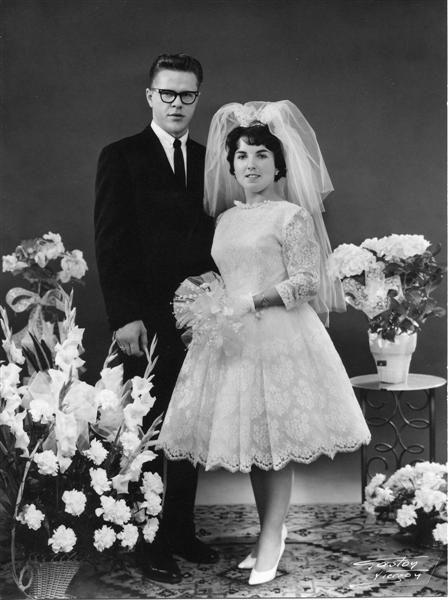 Pingl par seattle weddings sur 1960 39 s weddings for Robes de mariage en consignation seattle