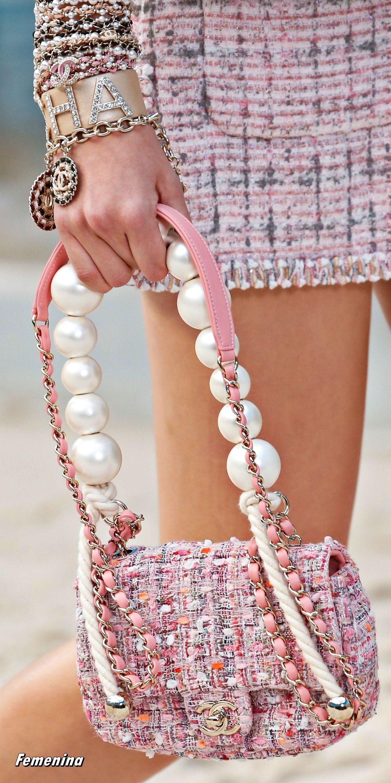 47eee5c7f0f031 Chanel Spring/Summer 2019 RTW -Details#bag#accessories  #summerdesignerhandbags