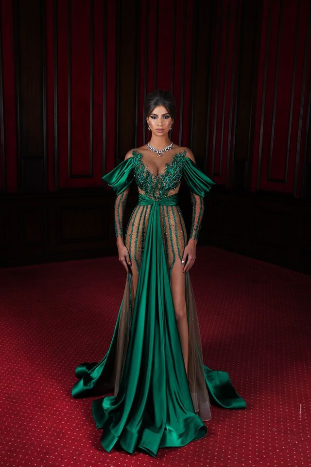 färg på belles klänning