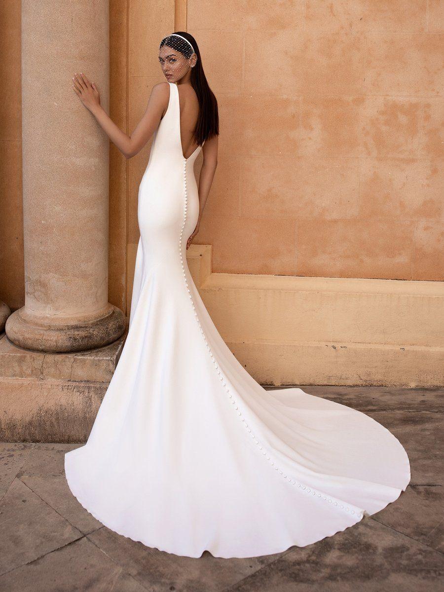 Pin By Brianna Rodine On Wedding In 2021 Pronovias Wedding Dress V Neck Wedding Dress Crepe Wedding Dress [ 1200 x 900 Pixel ]