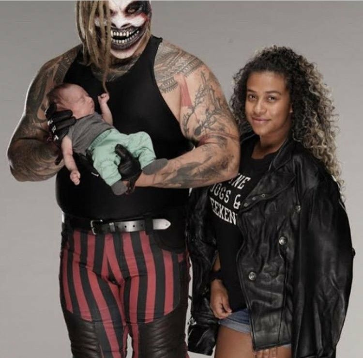 "Bray Wyatt as ""The Fiend"" with partner JoJo & son Knash💕🙏 | Wwe couples,  Wwe bray wyatt, Wrestling stars"
