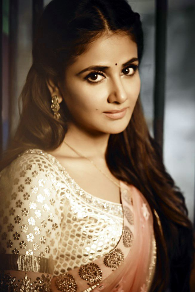 parul yadav hot images