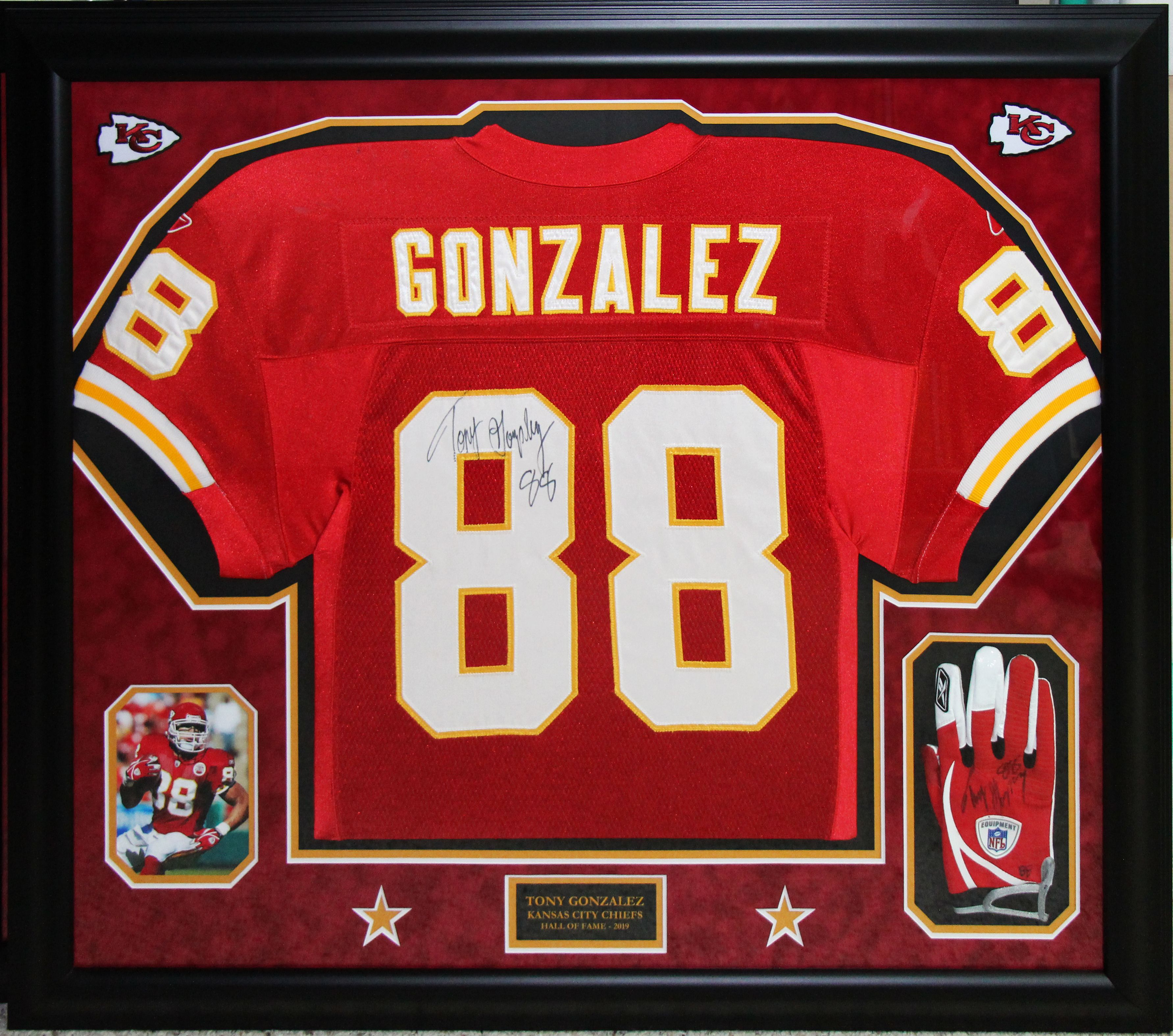 Kansas City Chiefs Tony Gonzalez jersey and glvoe | Wallstars Custom ...