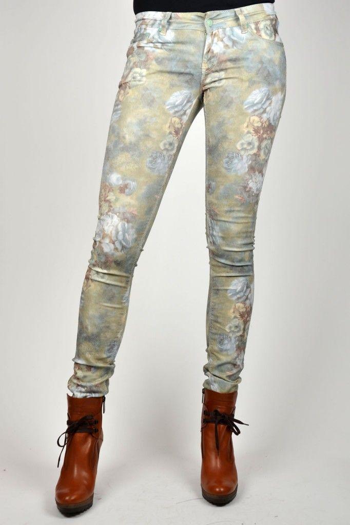 The Trend - Printed Jeans/Pants - Zie hier de My Brand Flower Jeans.