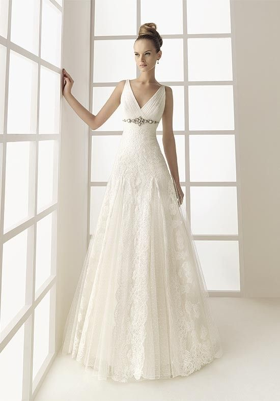 Beautiful Wedding Dress With A V Neck Line Wedding Dresses Uk Online Wedding Dress A Line Wedding Dress