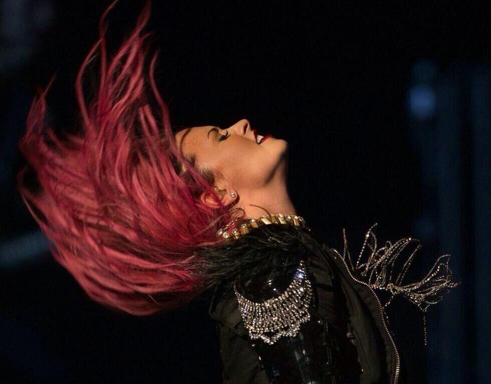 Demi Lovato - Neon Lights Tour!