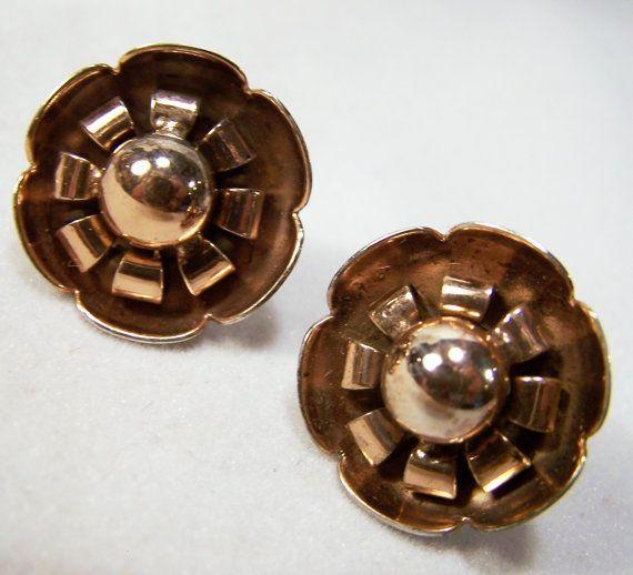 Vintage 1940s Sterling Silver Flower Earrings by GretelsTreasures