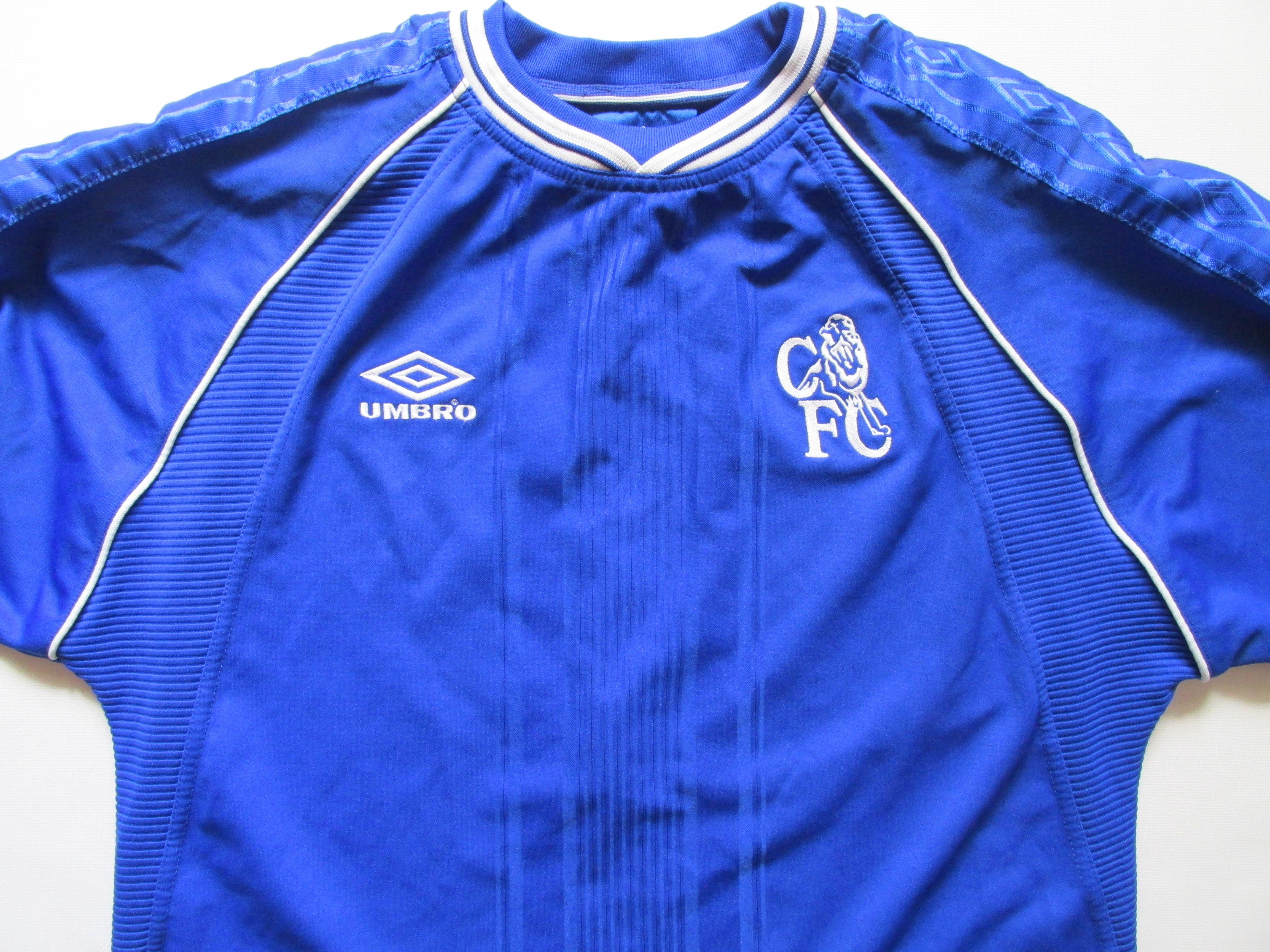 4f9b0e035cb Cheslea 1999/2000/2001 home football shirt by Umbro LongSleeves  PremierLeague vintage 90s CFC soccer jersey #Chelsea #ChelseaFC #CFC #Umbro  #vintage #90s ...