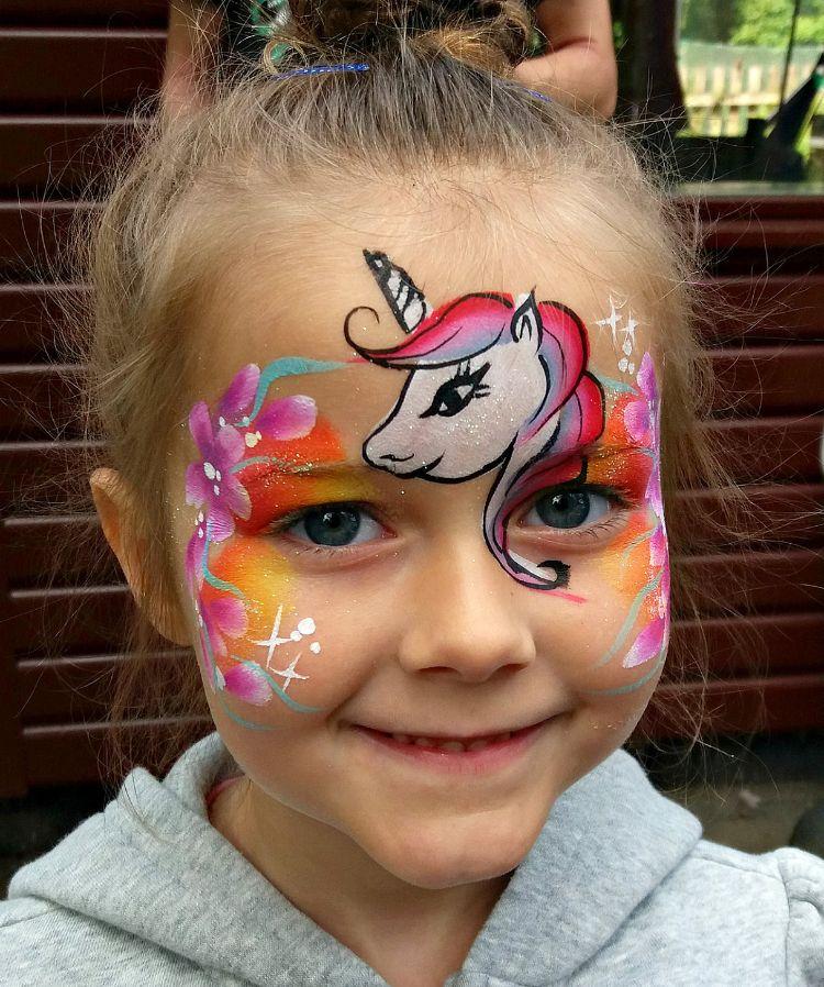 kinderschminken einhorn orange rosa blau gesichtsbemalung