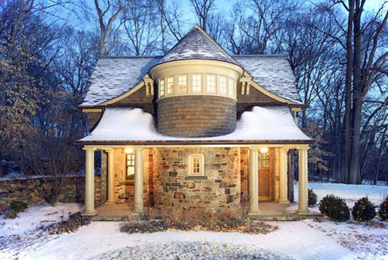 60 Beautiful Small Cottage House Exterior Ideas Cottage House Exterior Turret House Plans Carriage House Plans