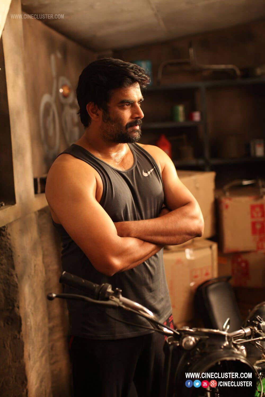 Pin by Almeena Yadhav on Vikram Vedha Movie Stills | Vikram vedha, Madhavan  actor, R madhavan