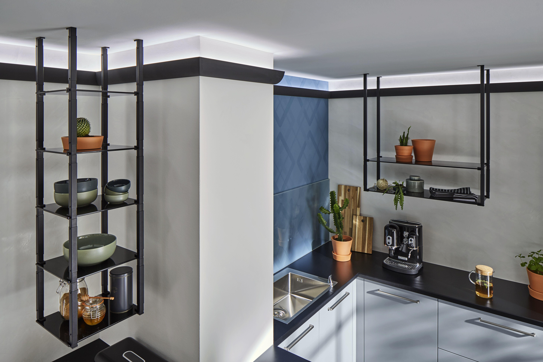 Deckenregale in der Küche #küche #kücheneinrichtung #küchendesign
