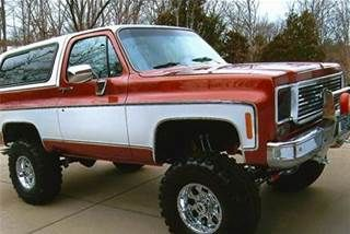 Love The Two Tone Red And White Classic Chevy Trucks Chevrolet