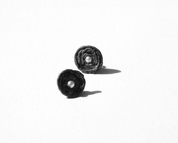 grey paper earrings  stud earrings  hancrafted by quasicaramelle