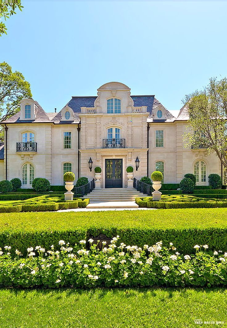 French chateau style residential estate and formal garden great pin for oahu architectural design