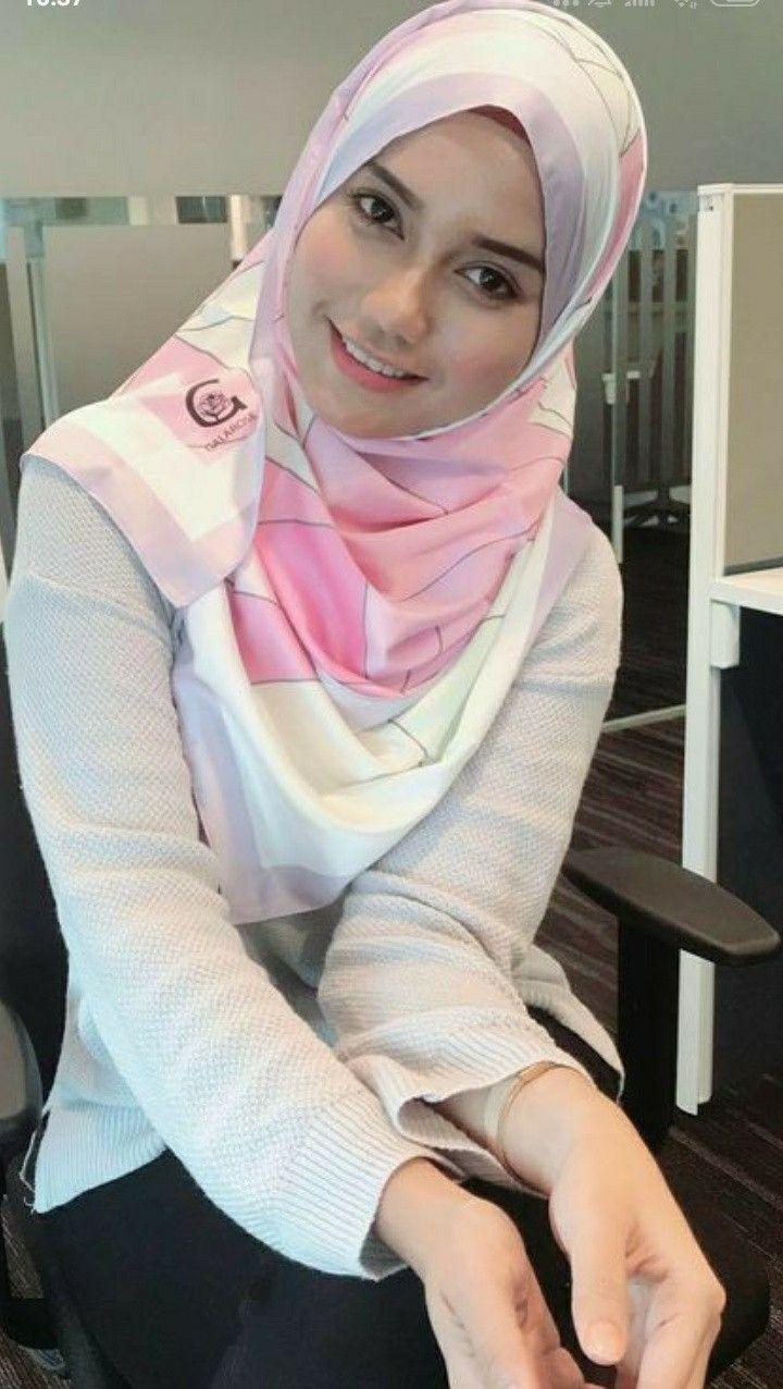 Pin oleh Coloursoflife di Mode wanita   Gaya hijab, Jilbab ...