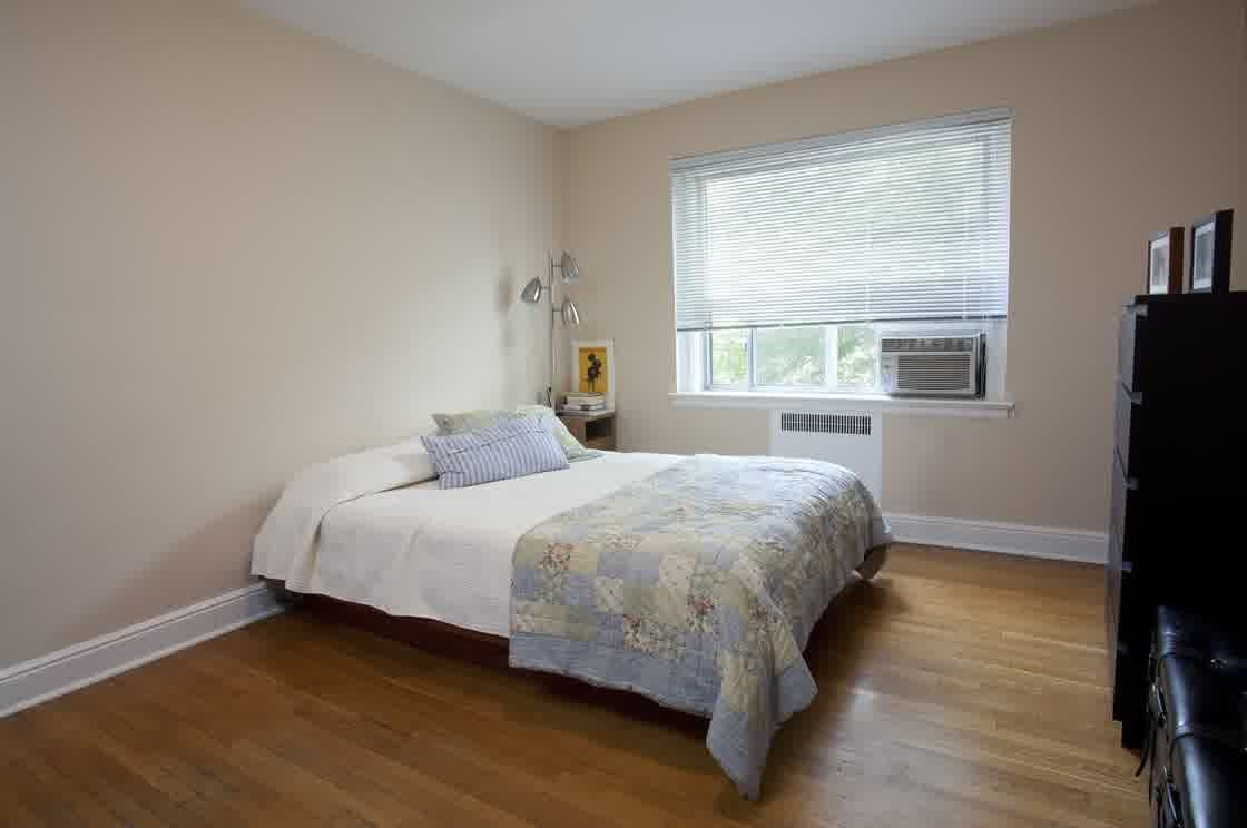 Resemblance Of Decorating Beds Without Headboards