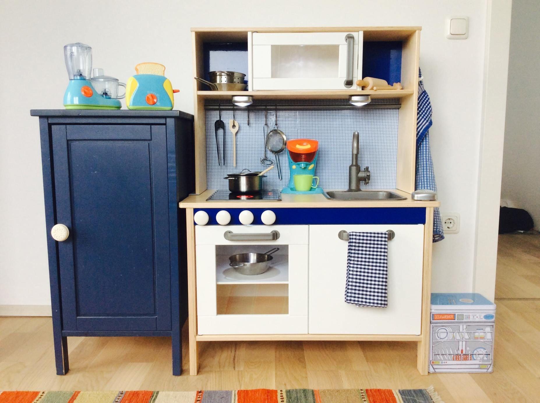 diy wir pimpen unsere kinderk che duktig zubeh r reyes. Black Bedroom Furniture Sets. Home Design Ideas