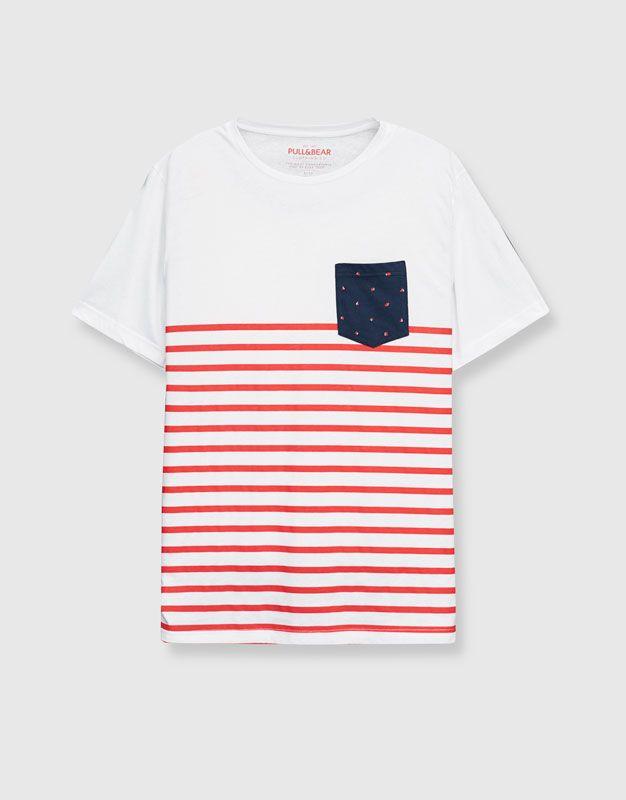 Camiseta rayas marineras bolsillo estampado - Camisetas - Ropa - Hombre -  PULL BEAR Colombia 9b53d892c72f1