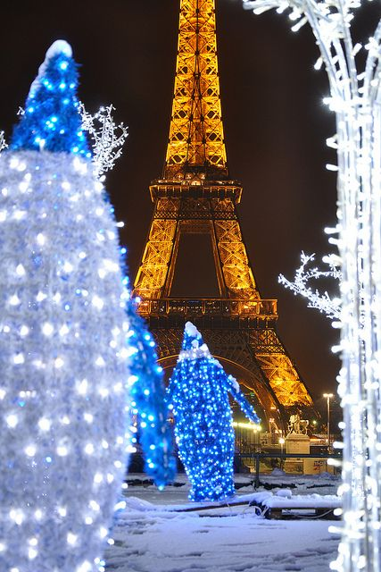 Eiffel Tower and snow Places to go!!Things to do!! Pinterest