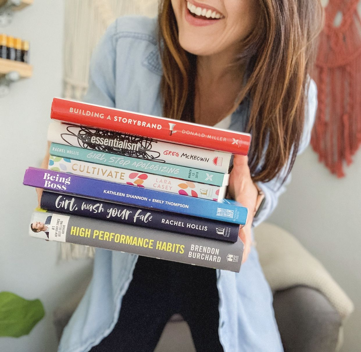 Books I Read in 2018 That Made Me Better is part of Personal growth books, Personal development books, Inspirational books, Book club books, Books, Boss babe books - I devour personal development books like they're going out of style  No shame either because they have totally rocked my world in the best way  Over the summer I did a lot of heart work and mindset shifting to get to the place that I'm at now  I'm always making it a priority to continue learning +