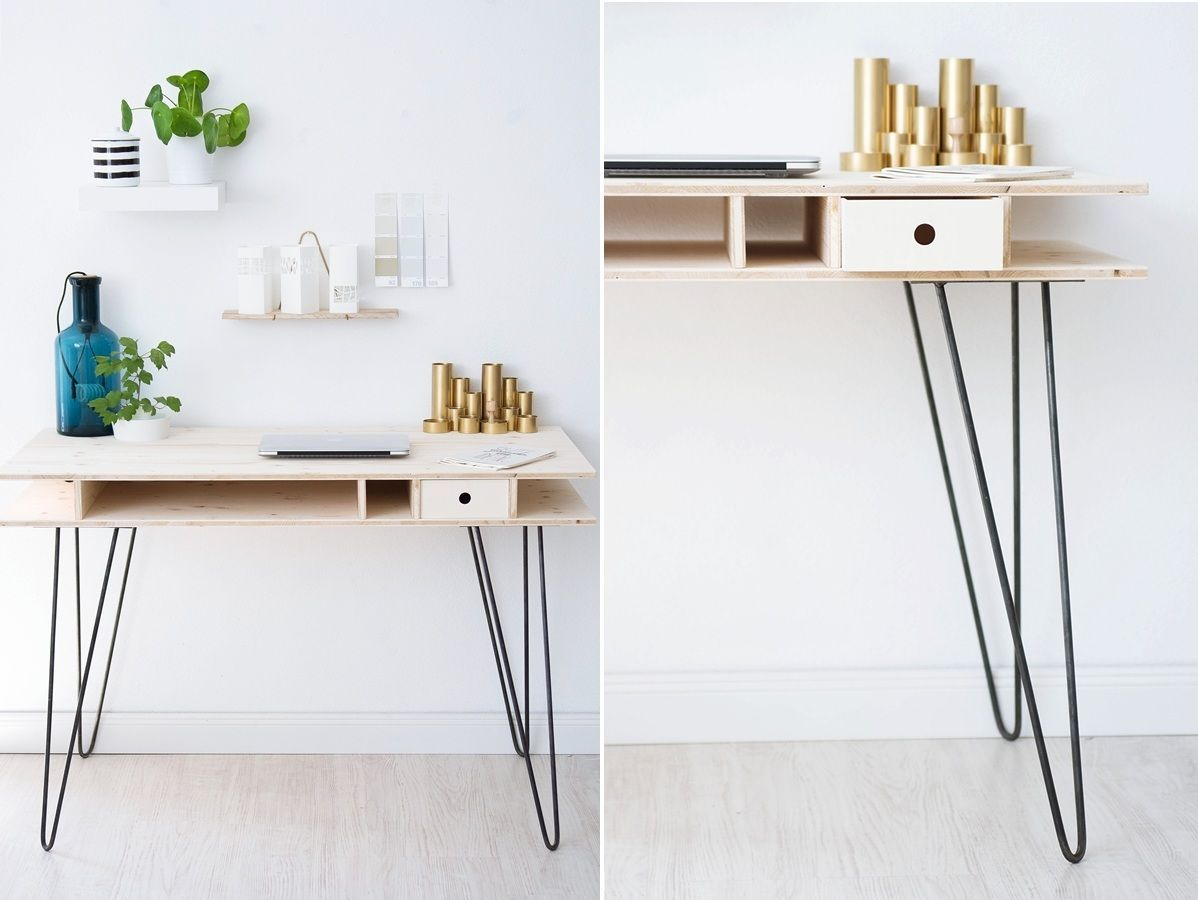 Look this great decor detail ! Simple and modern console. Discover more: modernconsoletables.net | #consoletable #modernconsoletable #contemporaryconsoletable