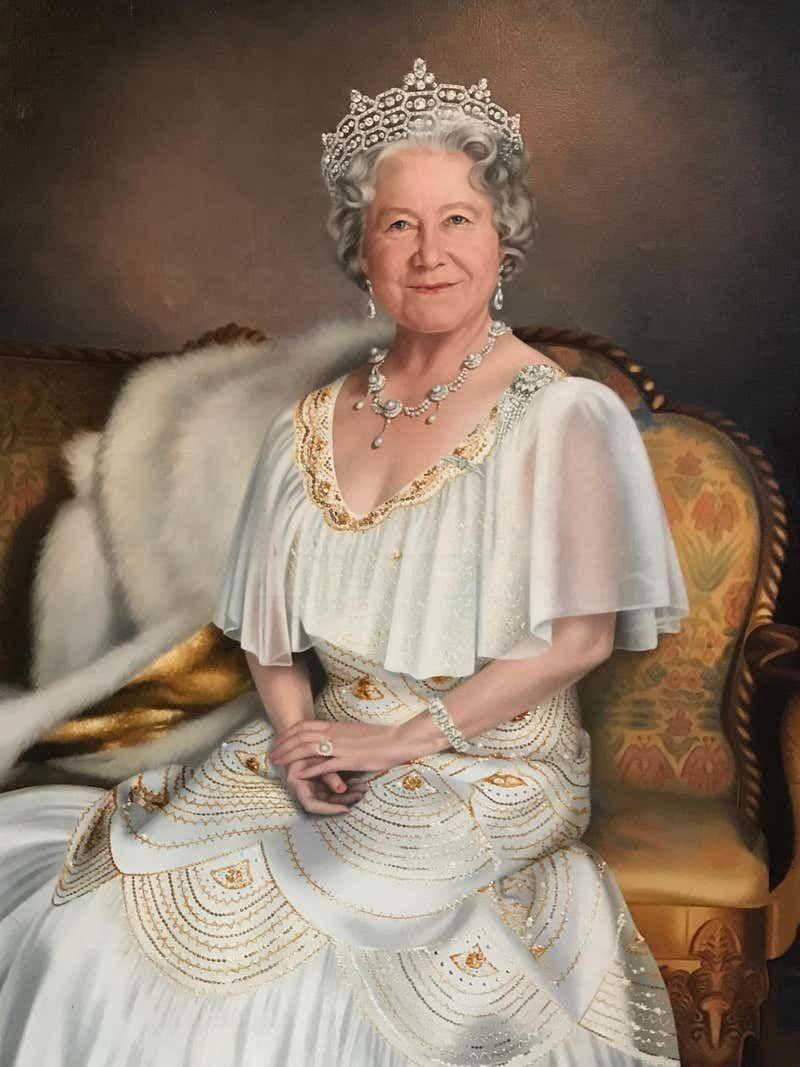Mara McGregor Portrait Painting - Queen Elizabeth The Queen Mother Very Large Original Oil Painting | Royal queen, Queen mother, Queen elizabeth
