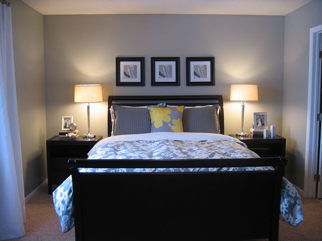 Black and White photos above the bed