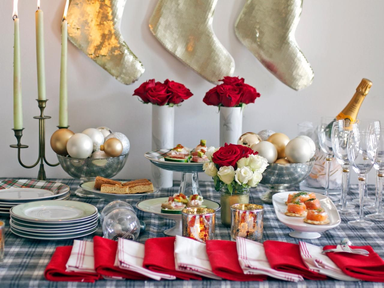 Open House Christmas Party Ideas Part - 37: A Casual And Festive Christmas Open House