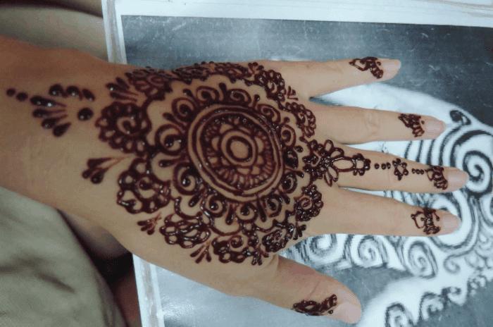 30 Gambar Bunga Henna Di Tangan 100 Gambar Henna Tangan Kaki Pengantin Motif Corak Download Henna Telapak Tangan Gambar Bun Di 2020 Tato Tangan Henna Tangan Henna
