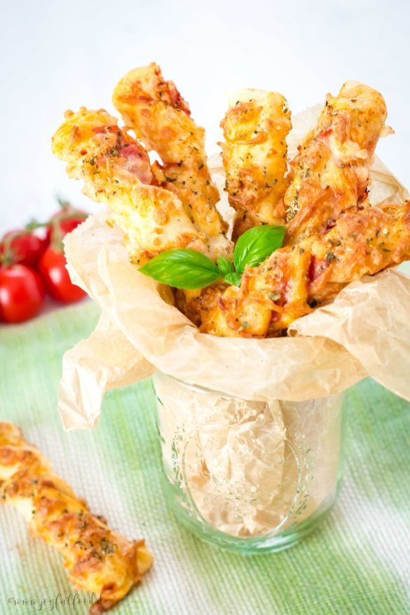 Crunchy delicious pizza sticks   - Rezepte -