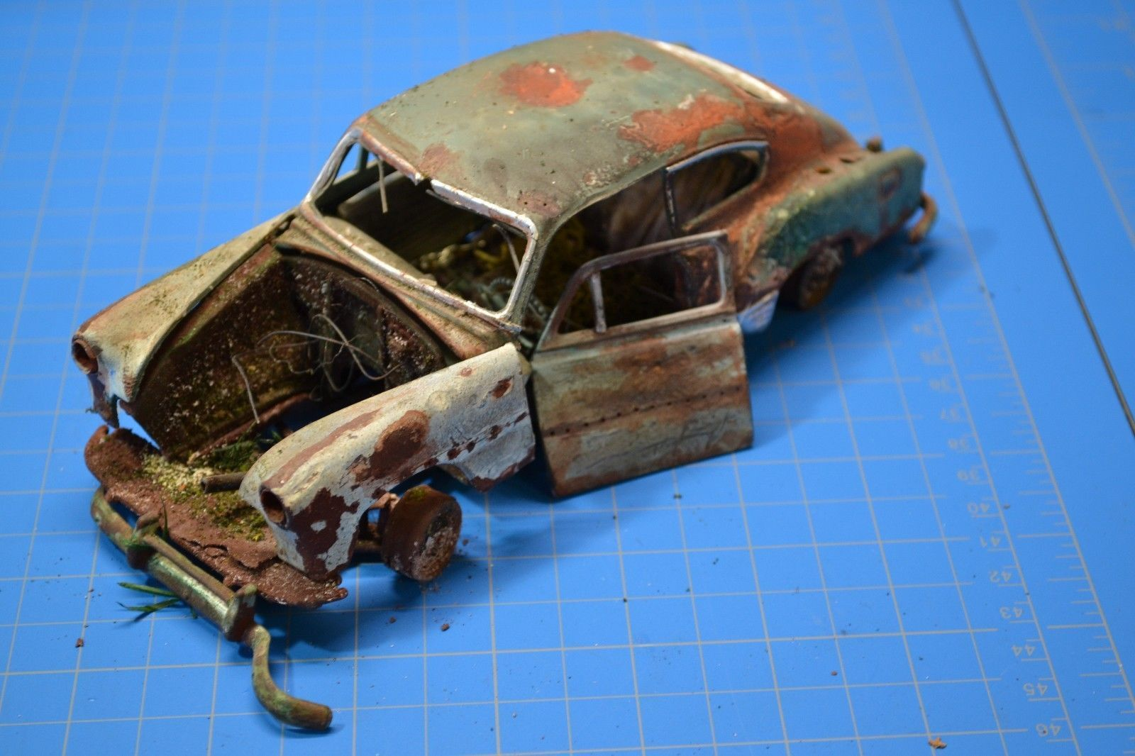 Pro Built 1951 51 Chevy Deluxe Fleetline Weathered Rusted Junker Unearthed Ebay Modell Modellbau