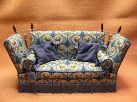 I am publishing only the pictures of the Knole Sofa to help you in finishing the kit. You have the instructions to follow. These pictures ...