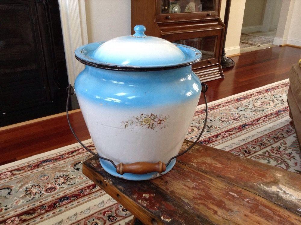 Vintage Stewart Moundsville W VA Blue White Graniteware Enamelware Chamber Pot